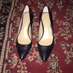Black leather Ann Taylor heels